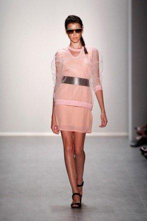 Rebekka Ruetz MB Fashion Week Berlin Juli 2014 - Mode Frühjahr Sommer 2015 - 05