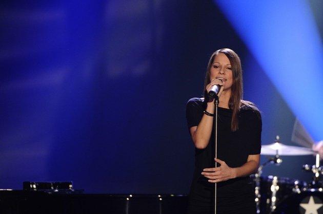 Christina Stürmer - ZDF 18.10.2014 Gala zum 80. Geburstag Udo Jürgens - Foto: (c) ZDF und Dominik Beckmann