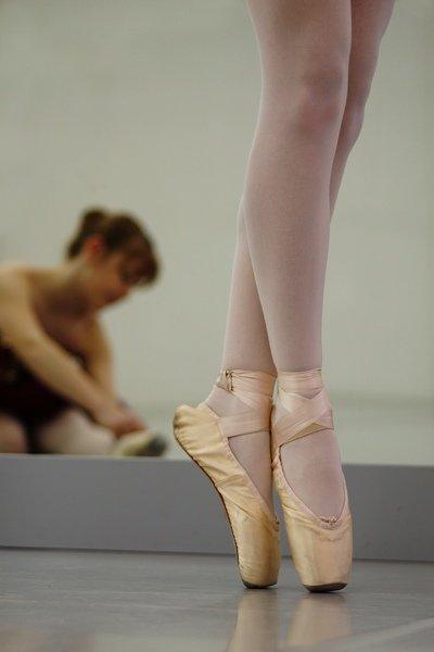 Ballett - Ballettsaal Spitzentanz - Foto: (c) Harry Hautumm  - pixelio.de