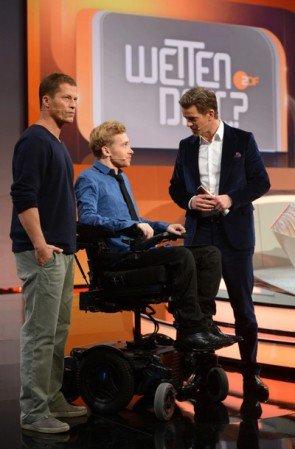 Samuel Koch, Til Schweiger und Markus Lanz bei Wetten dass am 13.12.2014 - Foto: (c) ZDF und Sascha Baumann