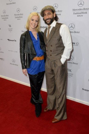 Isabel Edvardsson mit Massimo Sinato auf der MB Fashion Week Berlin Januar 2015