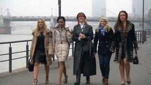 Flirt oder Fiasko Kandidatinnen 2.-6. März 2015 v.l. Janina, Sophia, Birgit, Fabienne und Siena - Foto: © VOX – Constantin Entertainment