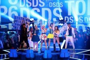 DSDS 8.5.2015 Live-Show in Glashalle Leipzig - Alle Kandidaten beim Gruppen-Song - Foto: © RTL – Stefan Gregorowius