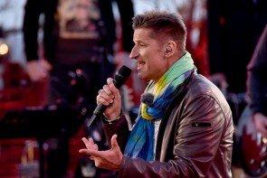 Hartmut Engler singt 'Achtung' am 16.6.2015 bei Sing meinen Sing - DasTauschkonzert - Foto: © VOX - Markus Hertrich