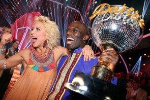 Let's dance 2015 Gewinner Kathrin Menzinger - Hans Sarpei im Glück als Dancing Star 2015 - Foto: © RTL / Stefan Gregorowius