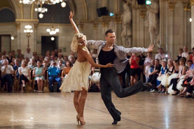 Vadim Garbuzov - Kathrin Menzinger zur WM 2015 Showdance Latein 2015 in Wien - Foto: (c) Regina Courtier