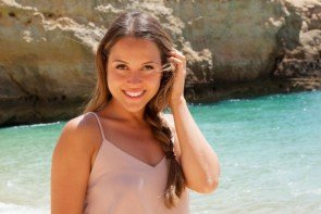 Bachelorette Alisa am 15.7.2015 am Strand beim Gruppen-Date - Foto: © RTL - Armanda Claro
