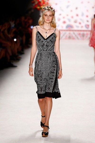 blaues sommerkleid 2016 lena hoschek fashion week berlin juli 2015 03. Black Bedroom Furniture Sets. Home Design Ideas