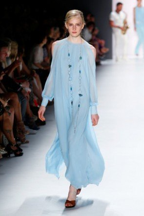 Hellblau Sommer-Mode 2016 von Riani - Fashion Week Berlin Juli 2015 - 8