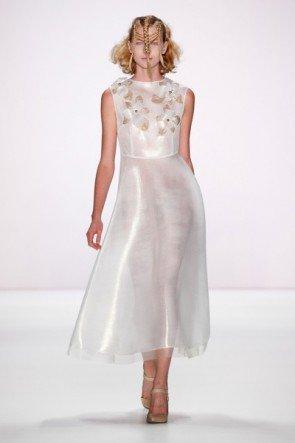 Spitzen-Mode von Irene Luft Frühjahr-Sommer 2016 - Fashion Week Berlin Juli 2015 - 7