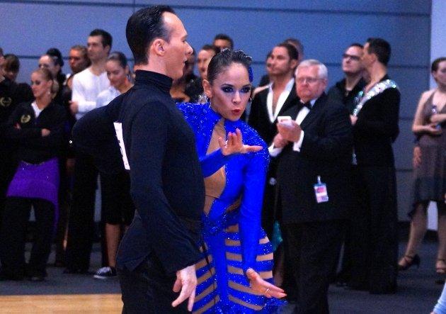 Nina Uszkureit - Profi - Coach bei Stepping out 2015 - hier mit ihrem Tanzpartner Sven Ninnemann - Foto. (c) Salsango - Karsten Heimberger