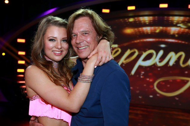 Joelina und Jürgen Drews bei Stepping Out am 25.9.2015 - Foto: (c) RTL – Stefan Gregorowius