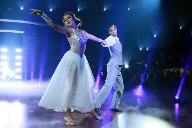 Joelina Drews und Marc wunderschön bei Stepping Out am 25.9.2015 - Foto: (c) RTL - Stefan Gregorowius