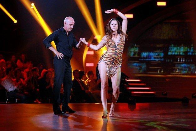 Mario Basler - Doris Büld - Mario inseiner typischen Tanzhaltung am 11.9.2015 – Foto: © RTL – Stefan Gregorowius