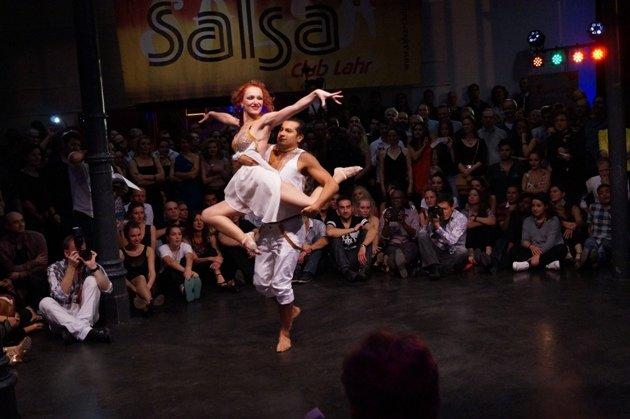 John Gabriel Diaz - Maria Juschkat zur Süd-Deutschen Salsa-Meisterschaft 2015 - 4 - Foto: (c) Salsango - Karsten Heimberger