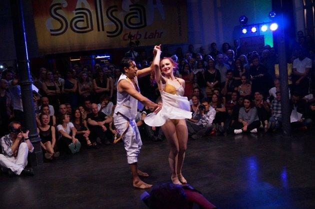John Gabriel Diaz - Maria Juschkat zur Süd-Deutschen Salsa-Meisterschaft 2015 - 6 - Foto: (c) Salsango - Karsten Heimberger