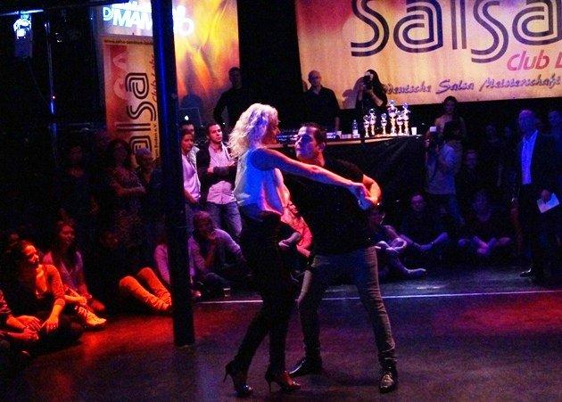 Orhan Krasniqi - Veronique Kalk zur Süd-Deutschen Salsa-Meisterschaft 2015 - 2 - Foto: (c) Salsango - Karsten Heimberger