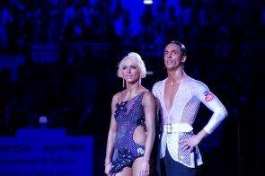 Gabriele Goffredo – Anna Matus - WSDF Latein-Weltmeister 2015 - noch ungläubig staunend - Foto: (c) Salsango - Karsten Heimberger