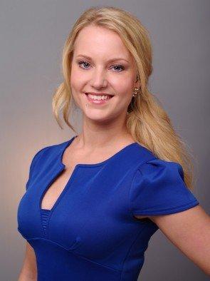 Leonie - Kandidatin beim Bachelor 2016 - bekam die erste, weiße Rose