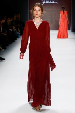 Abendkleider von Minx by Eva Lutz Mode Herbst-Winter-2016-2017 Fashion Week Berlin Januar 2016 - 3