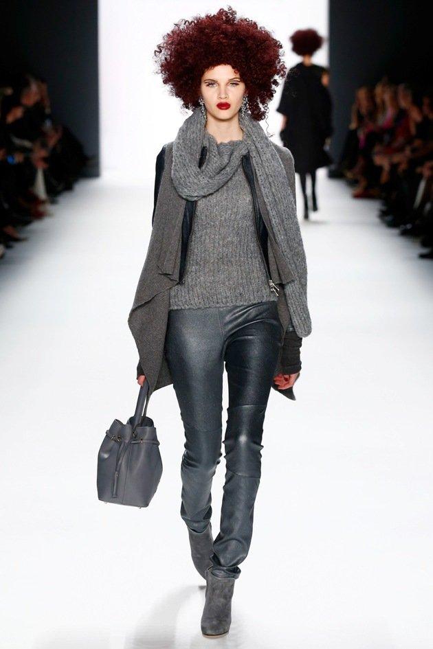 guido maria kretschmer mode herbst winter 2016 2017 flashback auf der fashion week berlin. Black Bedroom Furniture Sets. Home Design Ideas