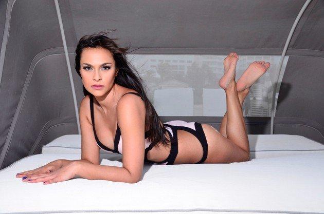 Jasmin vom Bachelor 2016 im Bikini
