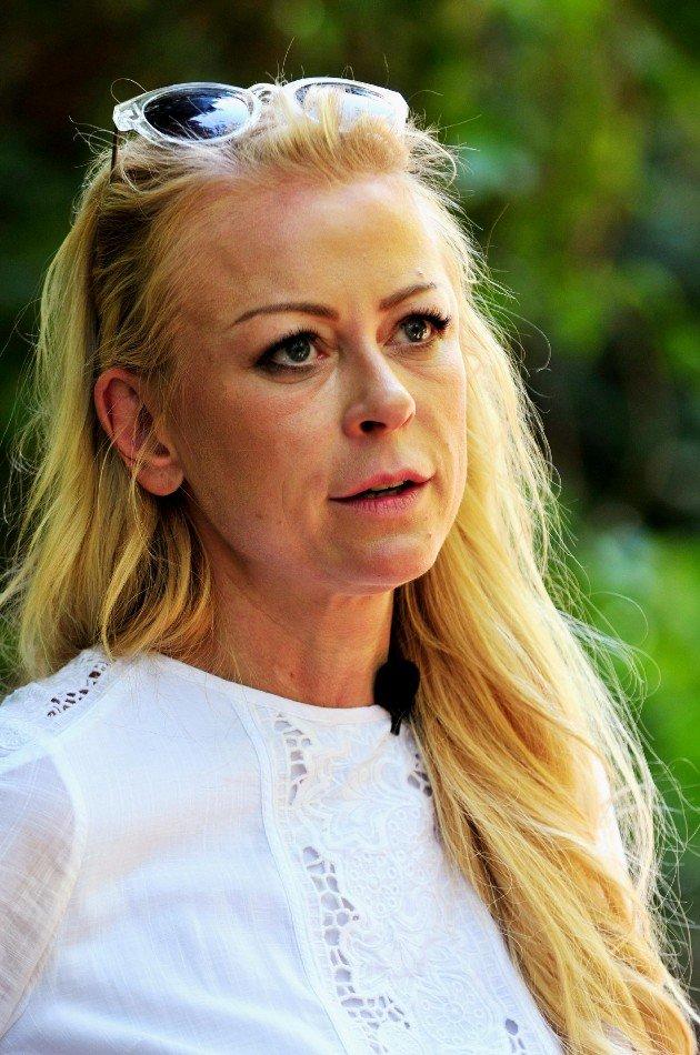Jenny Elvers auf dem Weg ins Dschungel-Camp 2016