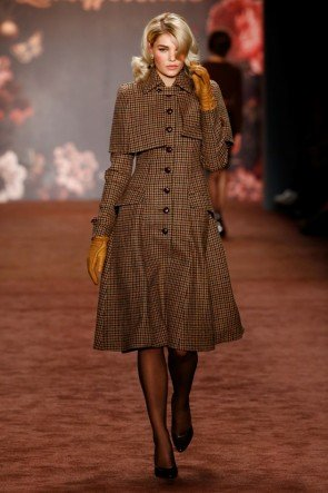Lena Hoschek Herbst-Mantel Herbst-Winter-Mode 2016-2017 Berlin Fashion Week Januar 2016 - 19