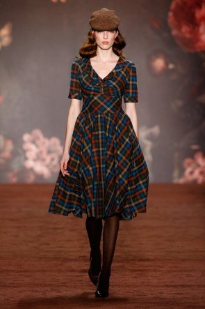 Lena Hoschek Kleid Herbst-Winter-Mode 2016-2017 Berlin Fashion Week Januar 2016 - 10