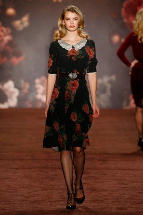 Lena Hoschek Kleid mit Bubikragen Herbst-Winter-Mode 2016-2017 Berlin Fashion Week Januar 2016 - 24