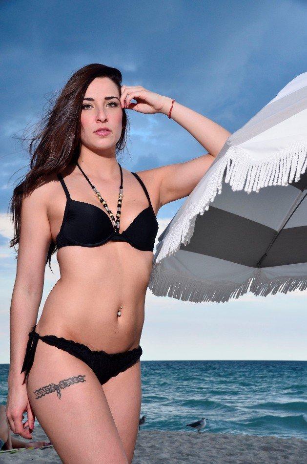 Sarah vom Bachelor 2016 im Bikini