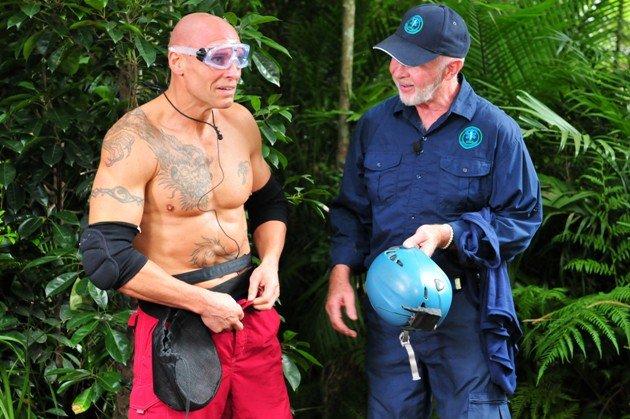 Thorsten Legat mit Dr. Bob vor der Dschungelprüfung am 23.1.2016