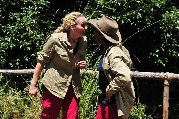 Zoff im Dschungelcamp Ricky Harris und Helena Fürst schreien sich an