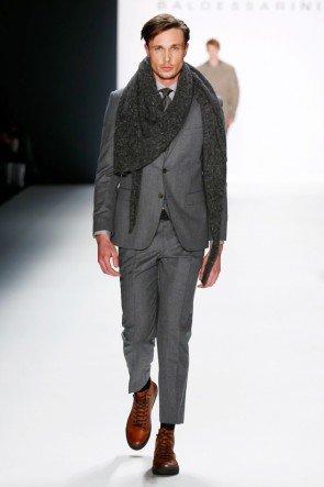Grauer Anzug von Baldessarini Männermode Herbst 2016 Winter 2017