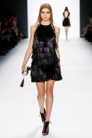 Kurzes Fransen-Kleid von DIMITRI Mode Herbst-Winter 2016-2017