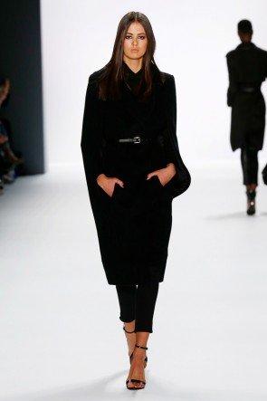Schwarz dominiert die Mode von DIMITRI zur Fashion Week Berlin Januar 2016