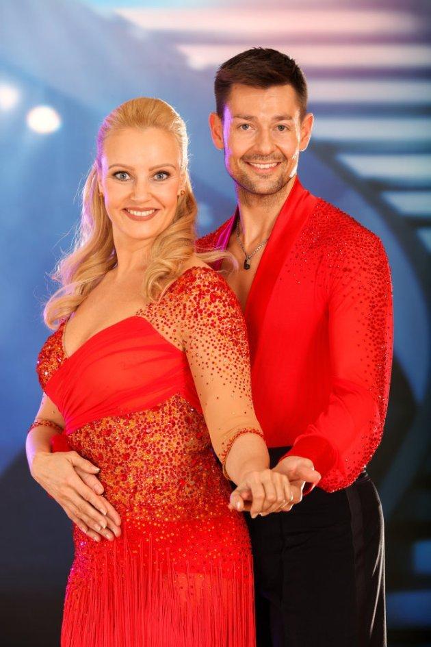Florian Gschaider - Verena Scheitz Dancing Stars 2016 - 2. Show am 11.3.2016