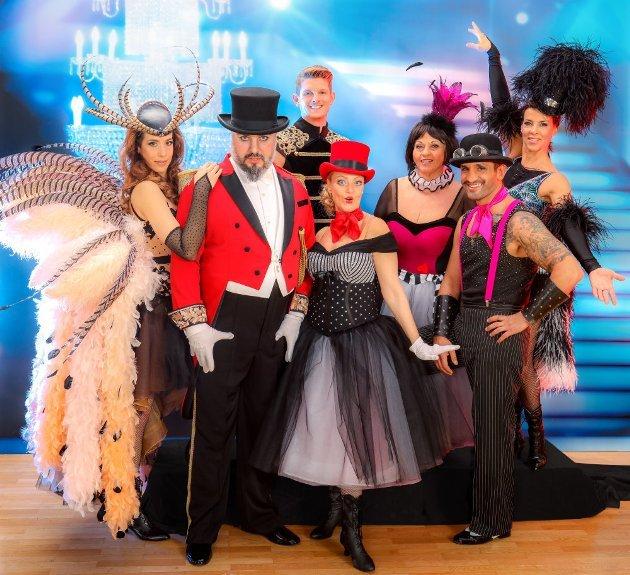 Dancing Stars 2016 Knie kaputt, Songs, Tänze am 1.4.2016 - hier Promis beim Gruppentanz