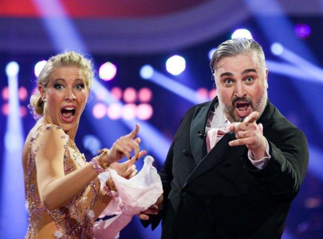 Georgij Makazaria – Maria Santner Dancing Stars 22.4.2016