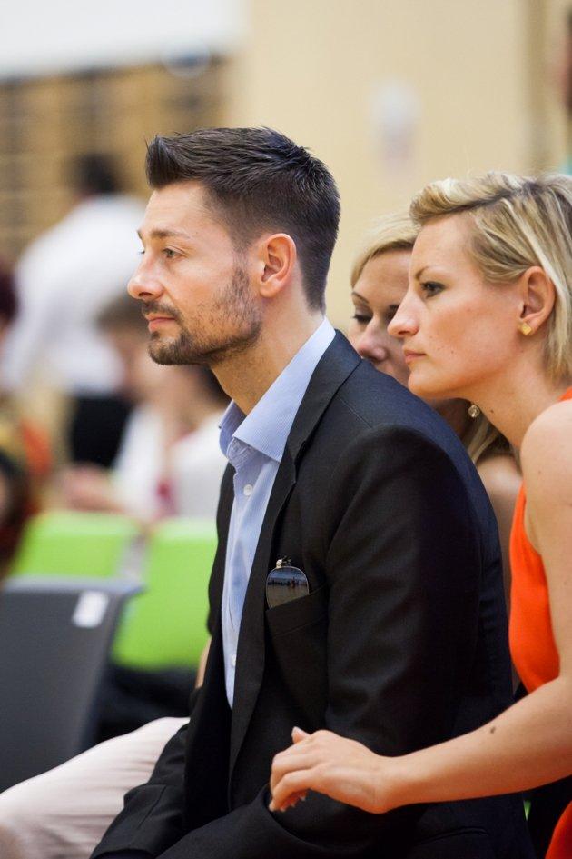 Florian Gschaider und seine Partnerin Andrea Trofer bei der ÖStM 2016 10 Tänze, im Hintergrund seine Tanzpartnerin Manuela Stöckl