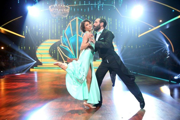 Jana Pallaske - Massimo Sinato bei Let's dance 2016 am 13.5.2016