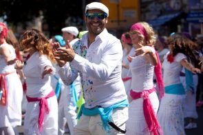 Karneval der Kulturen Berlin 2016 Pfingsten 13.-16. Mai 2016 - hier Amistad -Salsera beim Umzug