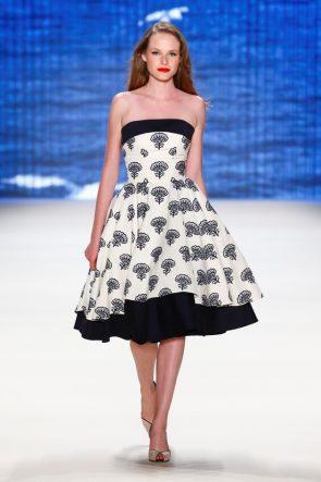 Lena Hoschek Sommermode 2017 auf der Mercedes-Benz Fashion Week 2016 - 1