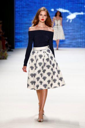 Lena Hoschek Sommermode 2017 auf der Mercedes-Benz Fashion Week 2016 - 2