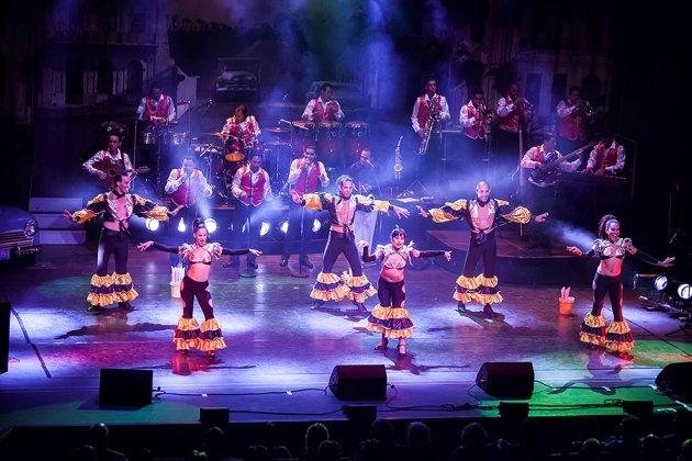 Orchester und Tanz-Company Pasion de Buena Vista