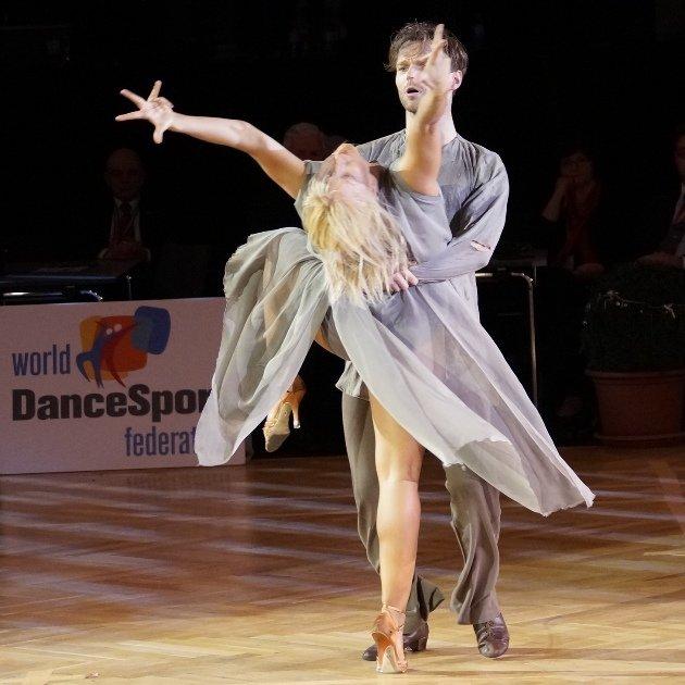 Kathrin Menzinger - Vadim Garbuzov aus Let's dance und Dancing Stars beim Showdance