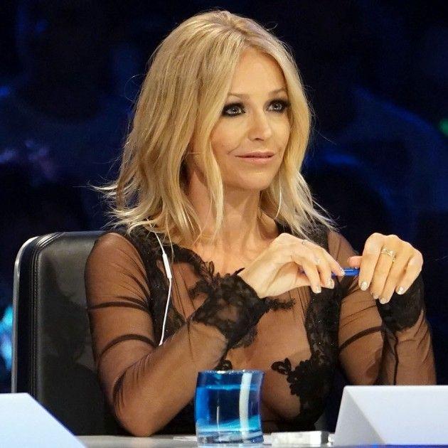 Neue Frisur Von Schlagersangerin Michelle Stilvolle Frisur Website
