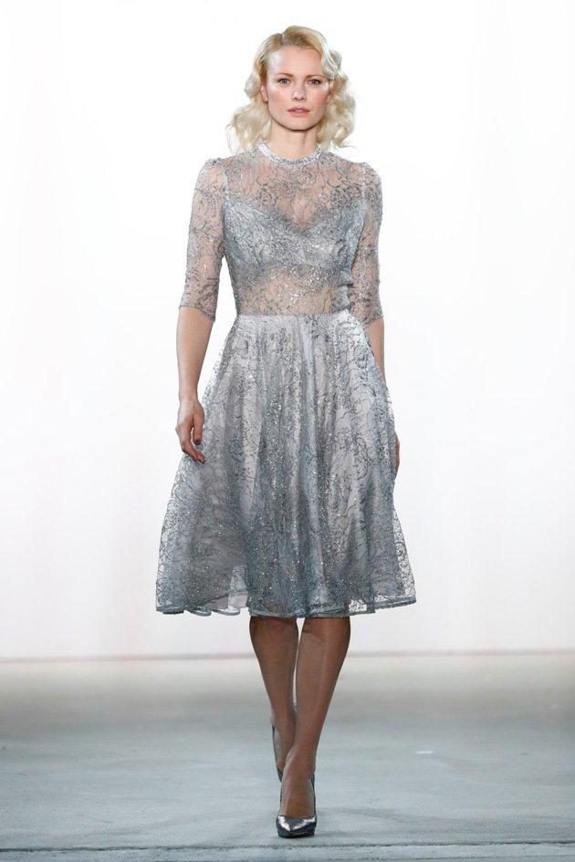 Mode aus Spitze bei Ewa Herzog Herbst 2017 - Winter 2018 - Fashion week Berlin 1-2017, Model Franziska Knuppe