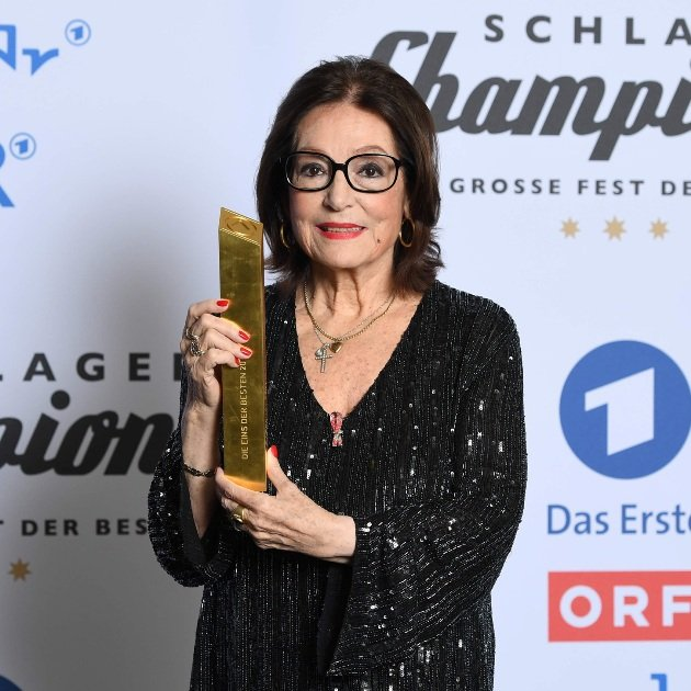 Nana Mouskouri bei Schlager-Champions 7.1.2017