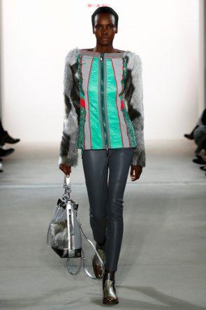 Riani mit Samt und Kunstpelz, Mode
